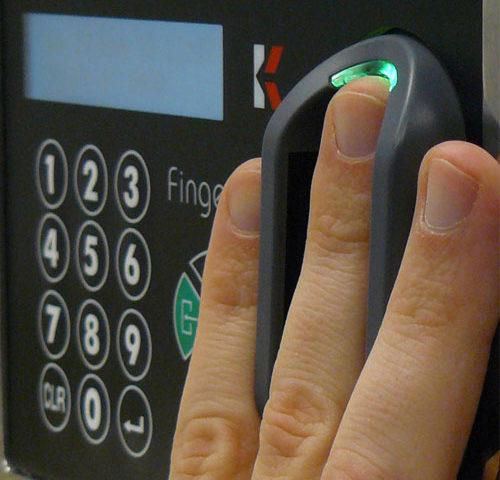 controles de acceso biométrico áreas inteligentes